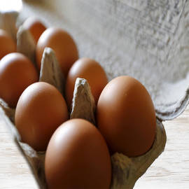 Organic Medium Eggs, Brown - Box (10 Pcs)